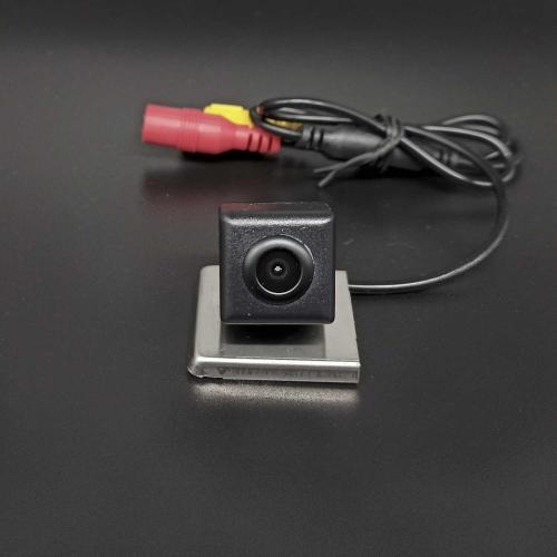 Камера заднего вида Renault Duster вид 2