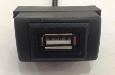 USB разъем в штатную заглушку для Nissan
